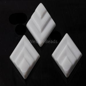 26x16 rauten Cabochon in weiß