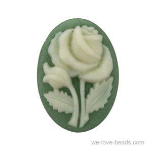 18x13 Rosen Camee in grün / elfenbeinfarben