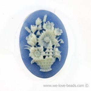 18x13 Camee blumenkorb in Basis blau mit elfenbeinfarbigem Kopf