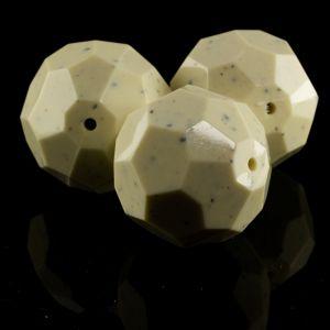 24mm Facettenperle in stonewash elfenbeinfarben