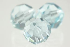 14mm Facettenperle in gletscher blau