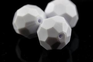 32mm Facettenperle in weiß