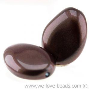 26x20 flachgedrückte Barockperle in iridisierendes schwarzolive