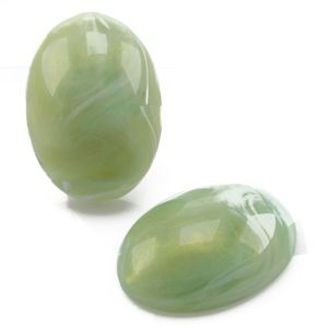 25x18 Cabochon oval in helles jade gold